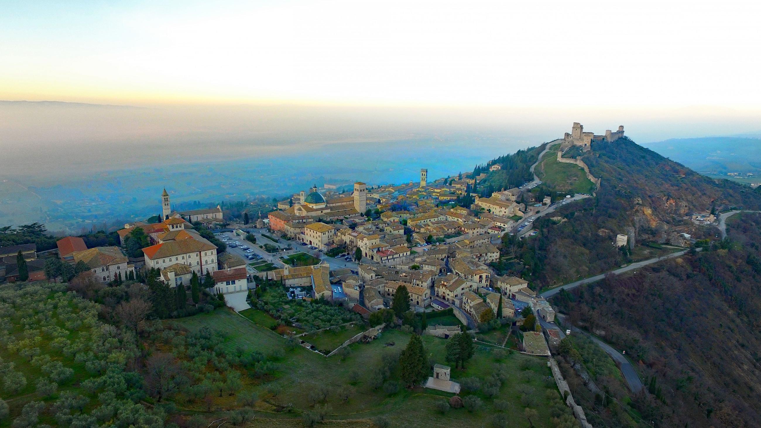 Scorcio di Assisi dall'alto